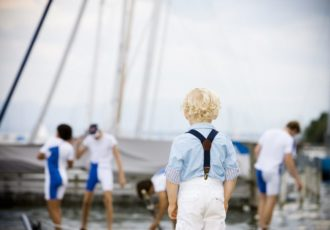 Tendenze di primavera dell'abbigliamento bambini